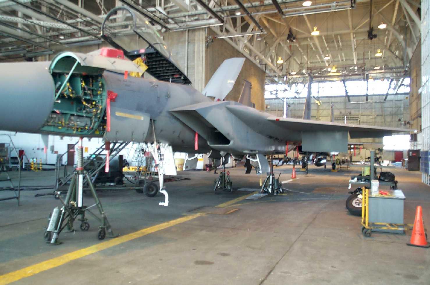 F-15, heavy maint 1